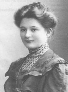 Magdalene Trenkel (Foto um 1920) lebte von 1916 bis 1921 in Weimar. (Das Foto stammt aus dem Nachlass ihrer Tochter Renate Müller, welcher von  Dr. Heinrich Trenkel verwaltet wird. Foto zur Verfügung gestellt von Michael Alexander Commichau)