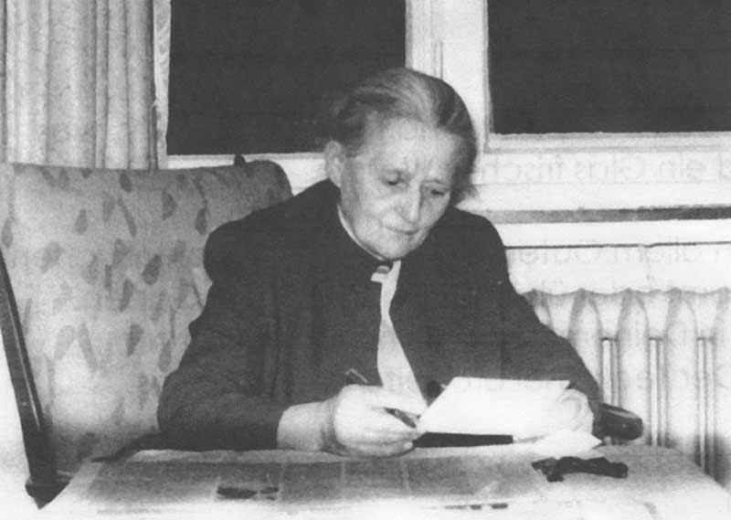 Magdalene Commichau-Trenkel im Jahr 1965. (Das Foto stammt aus dem Nachlass ihrer Tochter Renate Müller, welcher von  Dr. Heinrich Trenkel verwaltet wird. Foto zur Verfügung gestellt von Michael Alexander Commichau)