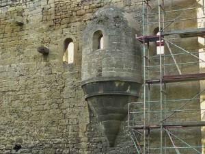 Altarerker an der Ruine der Burg Lobdeburg bei Jena (Foto: Wikipedia, Benutzer Knicklicht CC BY-SA 3.0)